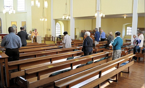 2015-12-13-Nearly-empty-church